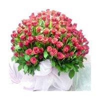 Online Wedding Flowers Delivery to India. Pink Roses Bouquet 100 Flowers to Bangalore