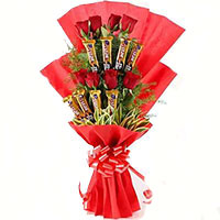 Father's Day Gift Delivery to India including Pink Roses 10 Flowers 16 Pcs Ferrero Rocher Bouquet
