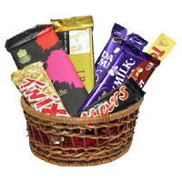 Deliver Delight Hamper Diwali Chocolates to India