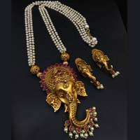 Temple Jewellery in Ganesh Pendant