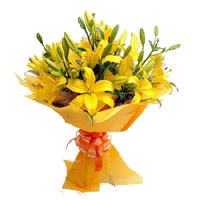 Send Online Yellow Lily Bouquet 12 Flowers in India on Rakhi