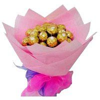Birthday Gifts in Gangtok. 16 Pcs Ferrero Rocher Bouquet Delivery to Gangtok