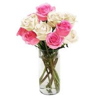 Flowers in India. Deliver White Pink Roses Vase 10 Flowers to India